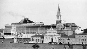 venezia-navi-berengo-gardin-small